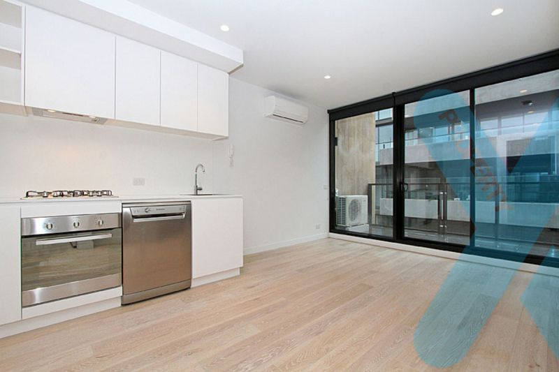 In the Heart of Collingwood - 1 Bedroom + Study + Car space
