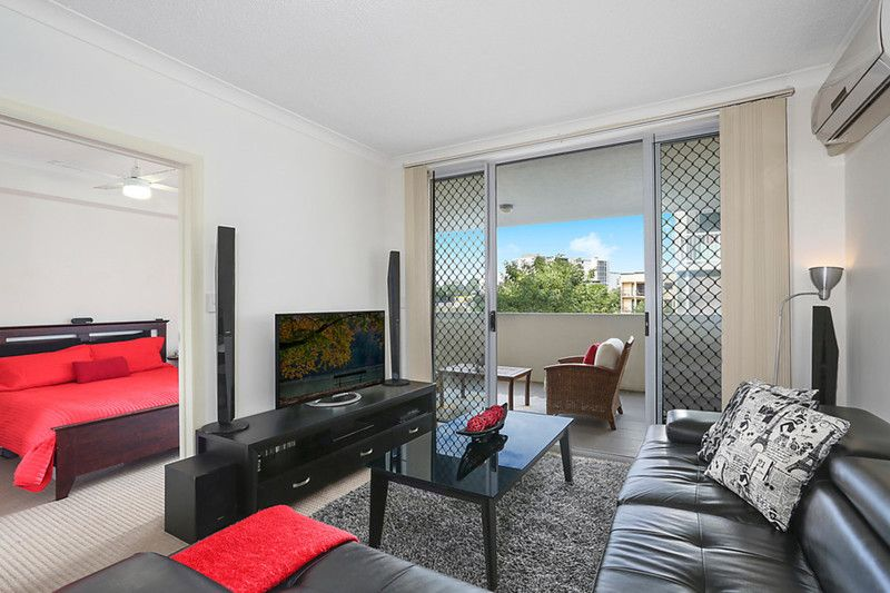 Private boutique apartment enjoys rapid access to the city