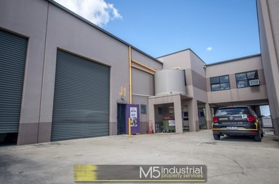 220sqm - Modern Office / Warehouse (VIDEO ATTACHED)