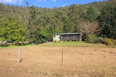 stunning 36 acre property with magical vistas and 3 bedroom cottage.  ideal for horses, cattle, artists retreat or weekend get-away.