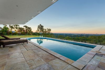 Strawberry Road Stunner... Breathtaking Panoramic Views