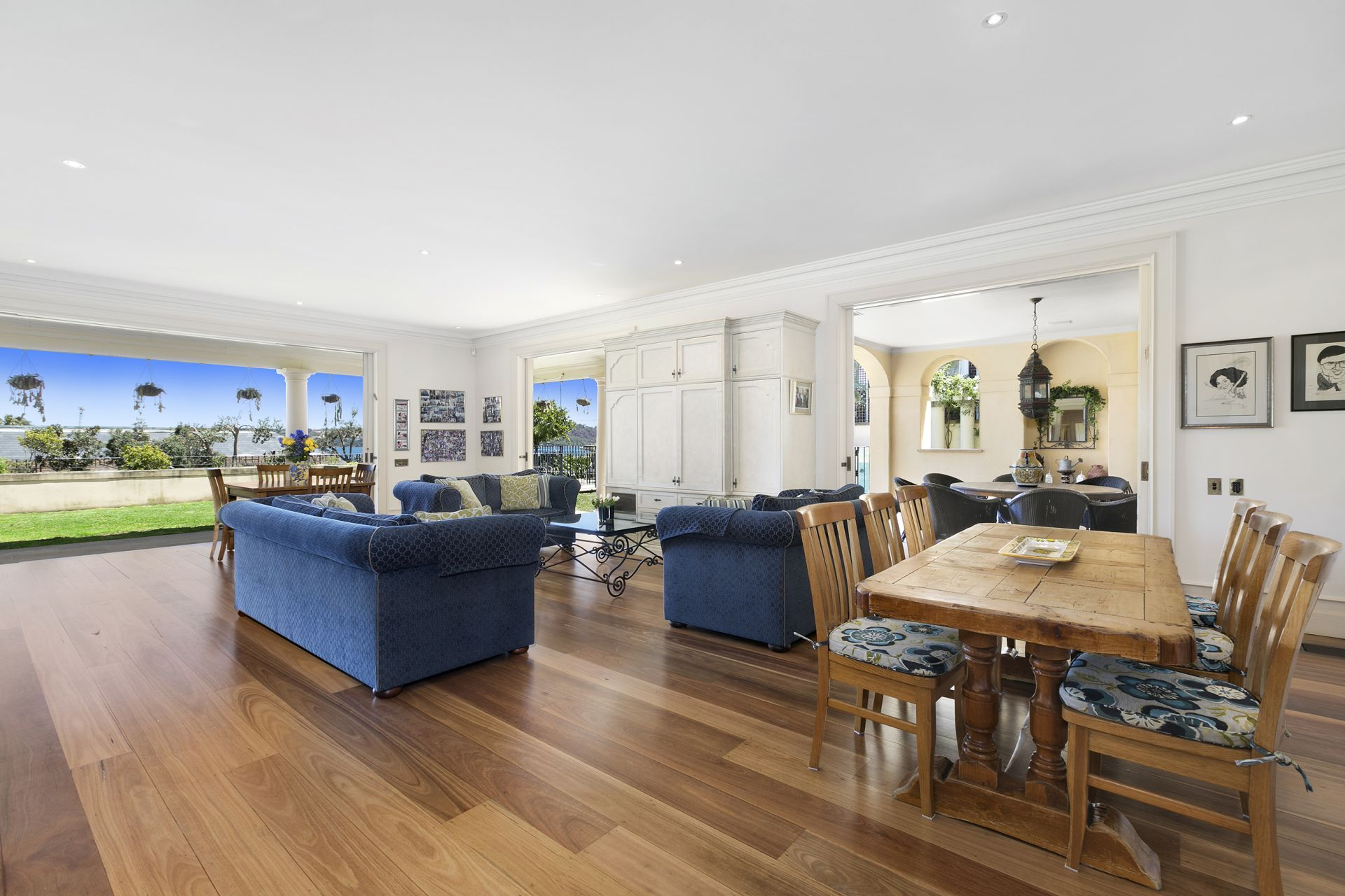 Additional photo for property listing at Elegant Showpiece in a Prime Harbourside Position  Vaucluse, New South Wales,2030 Avustralya