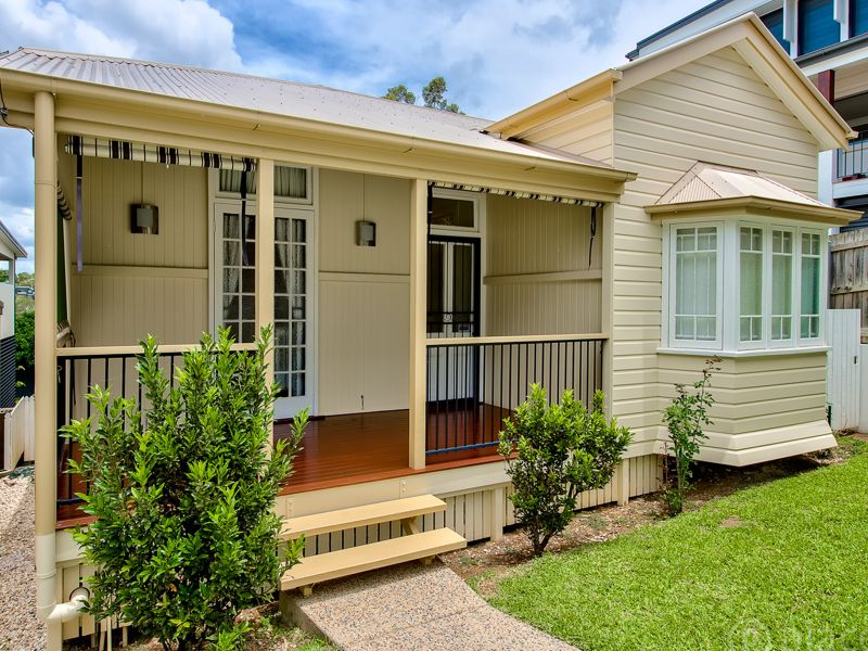 Ideal Family Living in Unbeatable Position - Move-In Ready!