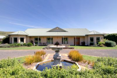 PRIVATE OASIS ON 7.4 ACRES APPROX
