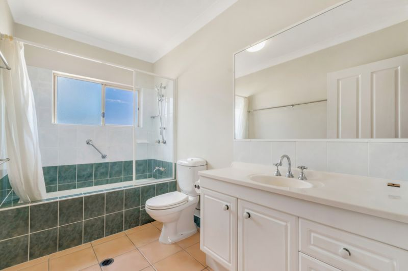 Townhouse for sale in Cairns & District Trinity Beach