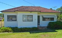 2/3 Bedroom  - Huge Backyard - 2 Large Sheds - Great Family Home