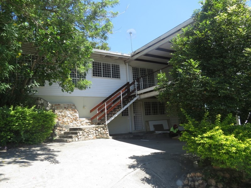 NM1763 - House with plenty extras - JDS