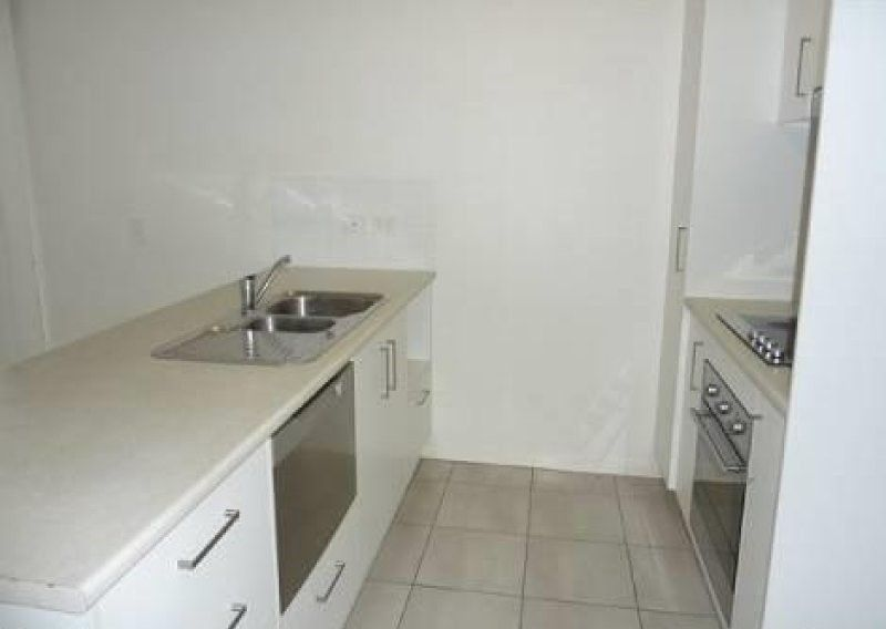 BEST VALUE TWO BED TWO BATH UNIT IN ZILLMERE
