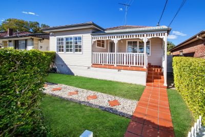 Charming family home with fabulous yard!