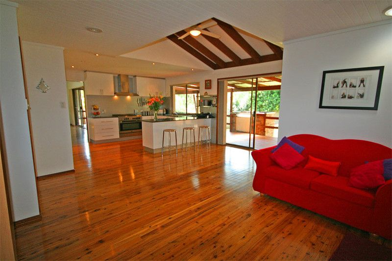 A beautifully presented modern open plan family home, standing in grounds of just under a quarter of an acre.