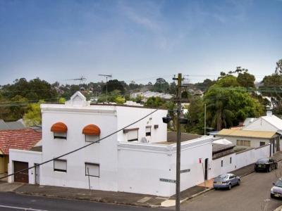 SOLD PRIOR TO AUCTION! Developers or renovators opportunity!