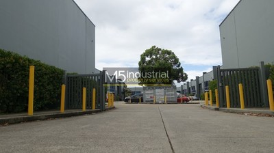 310sqm Warehouse & Office - Close to the M5