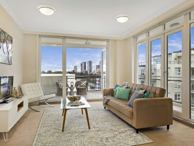 Designer style in a waterside lifestyle community