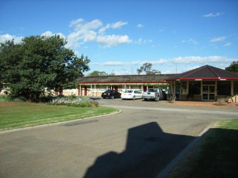 MOTEL FOR SALE - LARGEST MOTEL IN TOWN
