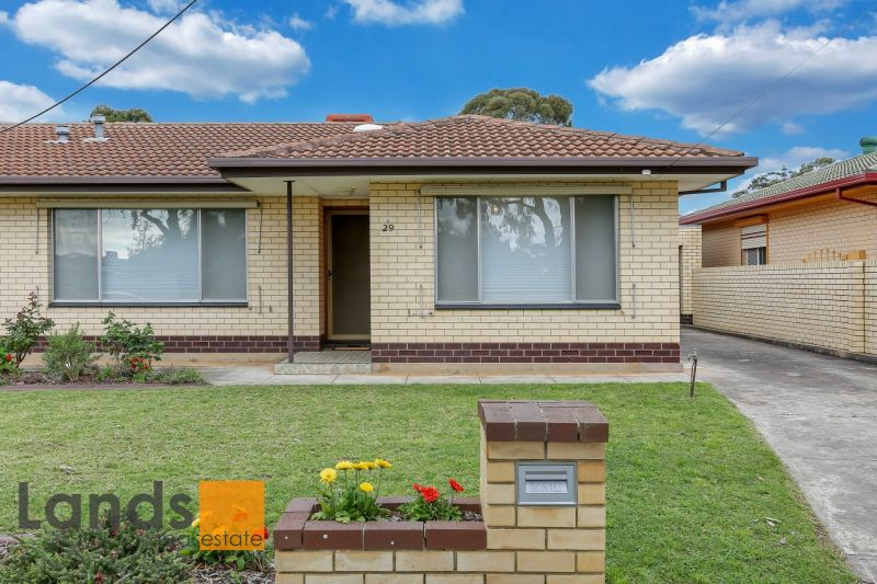 Immaculate Three Bedroom Property with Detached Rumpus Room.
