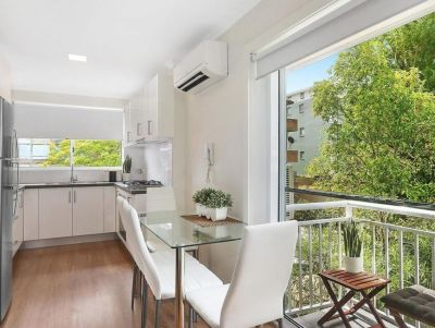 Fully Renovated Sunny 3 Bedroom Apartment