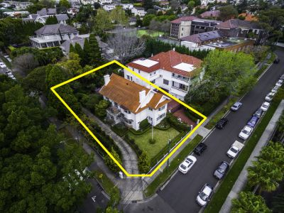 Grand Dress Circle Family Residence. Approx. 975 sqm Sundrenched Level Land + 2 Street Frontages
