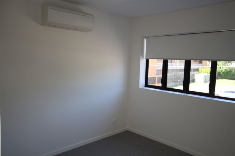 AS NEW 2 BEDROOM HUGE ENTERTAINERS BALCONY AND LIVING AREA AIR CONDITIONED