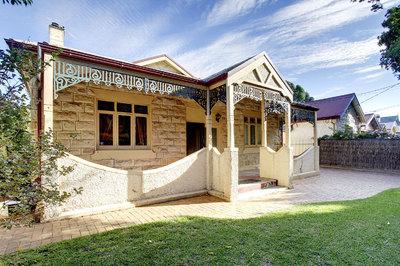 C. 1900 Cottage