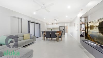 'As new' designer build - Sold by Stephen Gasparini