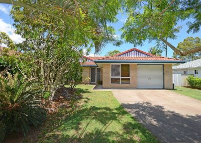 4 Bedroom Home Close to the Water