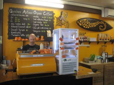 Espresso Cafe, Juice Bar and Salads.  Noosa Heads.