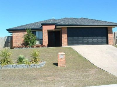 LARGE FAMILY HOME-UPPER COOMERA
