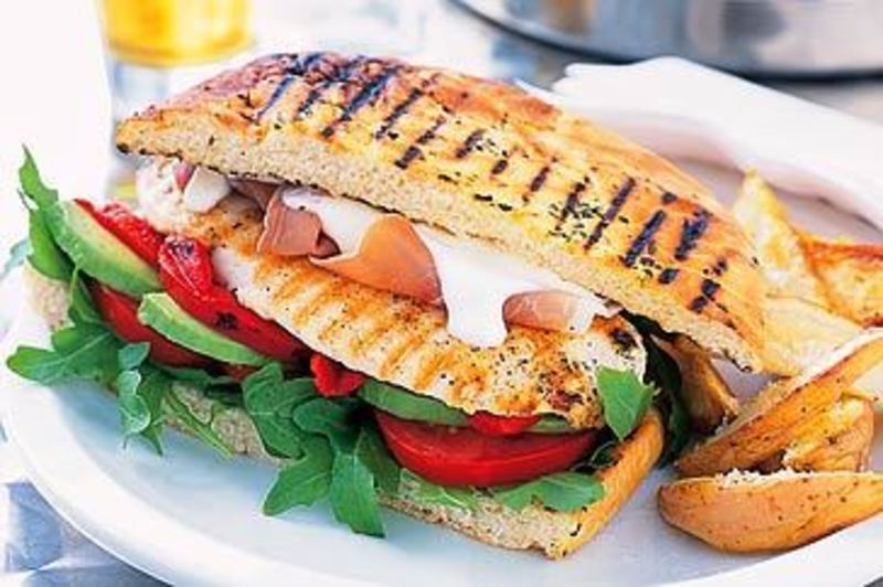Highly profitable sandwich franchise outlet in busy university food court - Ref: 5196