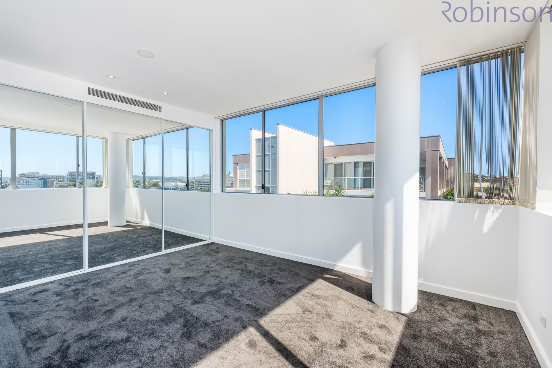 705/4 Honeysuckle Drive, Newcastle