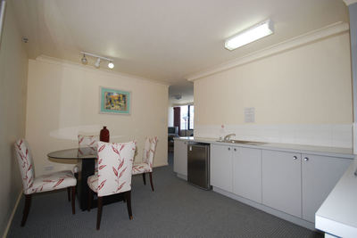 GREAT PRICE FOR FULLY FURNISHED 1 BED APARTMENT!