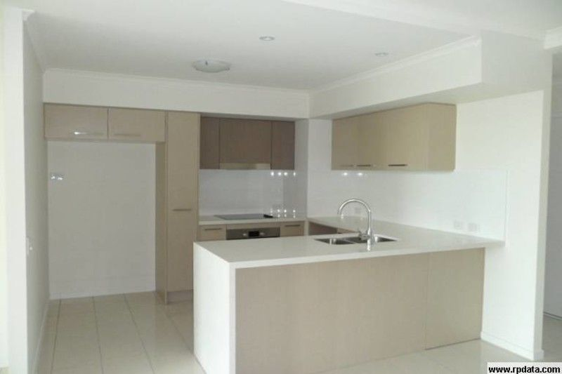 AS NEW - SPACIOUS MODERN AND PERFECTLY SITUATED