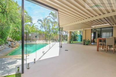 Mega Patio + Pool! 670m2- Bring the Boat + Caravan!