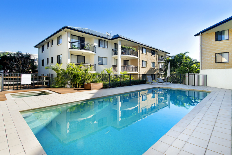 What A Great Investment.Right next door to the CBD. 2 Bedroom Mid Floor Unit with a lift