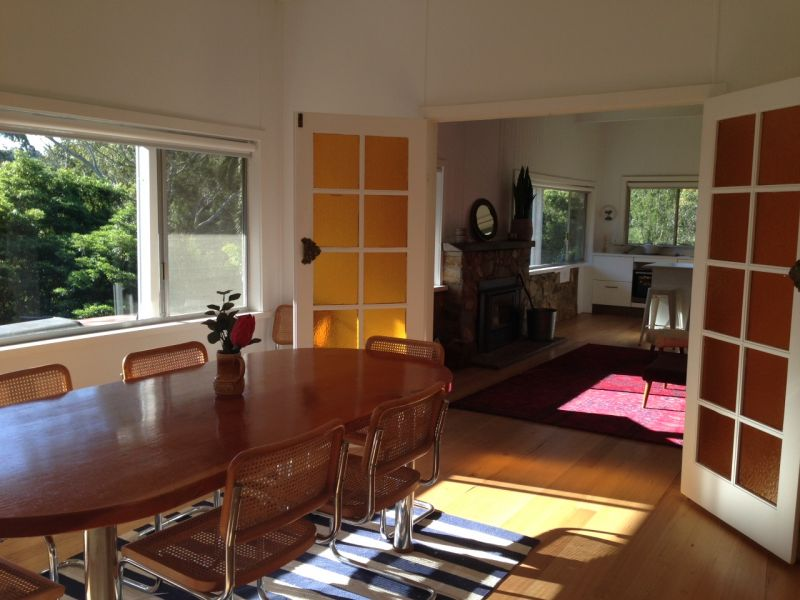 HOLIDAY HOME LIVING - FULLY FURNISHED - SHORT TERM LEASE