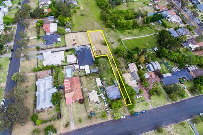 Build your dream home on 702m2