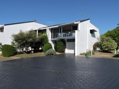 8A 16 Spinnaker Drive Sandstone Point Qld 4511