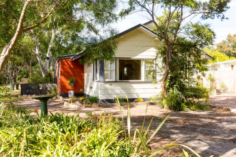 ISLAND HOME: IDEAL FOR PERMANENT OR HOLIDAY LIVING