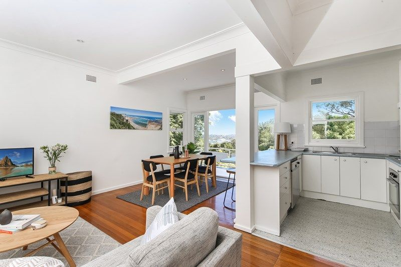 10 Lexington Parade, Adamstown Heights