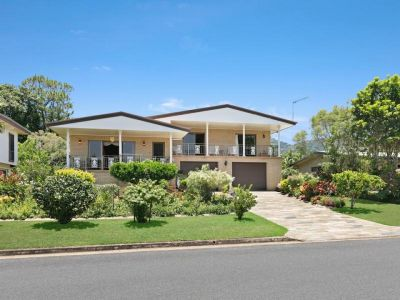 SUPERB FAMILY HOME IN POPULAR BAYVIEW