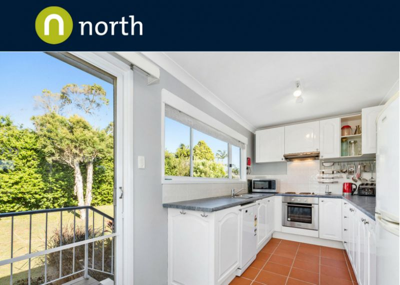 Family Home  With Views To Surfers Paradise