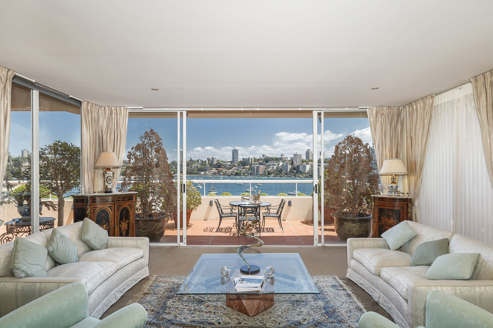 Additional photo for property listing at Exclusive absolute waterfront position 2/56 Wolseley Road Point Piper, New South Wales,2027 Austrália
