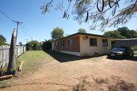 LOWSET FAMILY HOME - STABLES - RICHMOND HILL - 2023m2