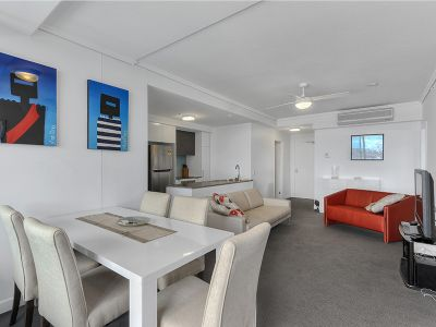 Modern & Luxury Fully Furnished Apartment