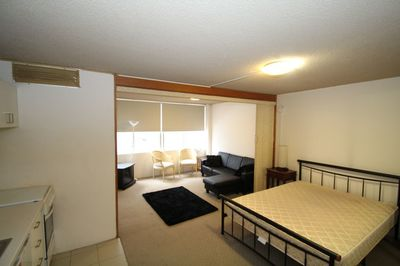 SPACIOUS FURNISHED STUDIO