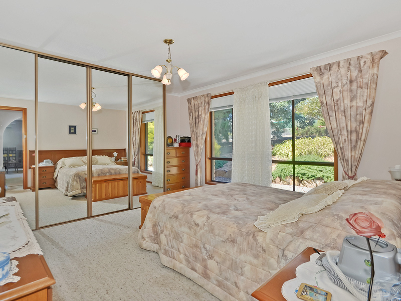SPRINGTON - Four Bedrooms and Fruit Trees