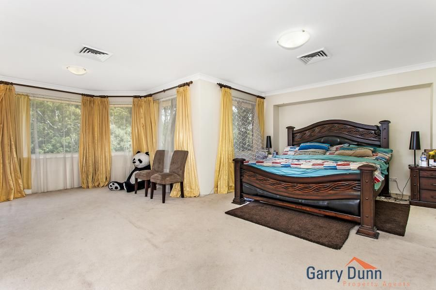 6 Whiteley Close, Casula