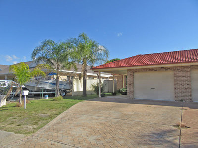 1/3 Cabin Close, Salamander Bay