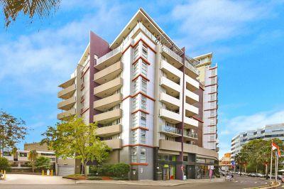 Impressive Large Apartment at a Blue Ribbon Location!!!