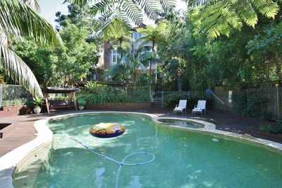 MOSMAN HUGE 6BED 4BATH F/F HOME RARE FAMILY OFFERING POOL PARKING TOP LOCATION.