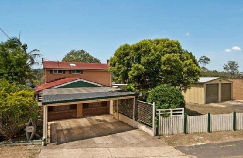 5 BEDROOM HOME WITH POOL IN THE POPULAR SUBURB OF BRASSALL